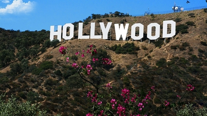 things to do in California hollywood sign