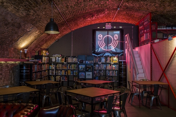 draughts board game cafe london
