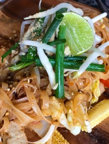 Pad Thai May Kaidee