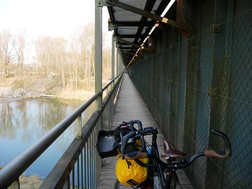 Wir verlassen Baden-Württemberg mit der Überquerung der Iller. Und landen in - Bayern.