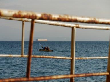 Daniel und Sarper im Seekajak im Mittelmeer.