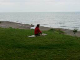 Yoga am morgen vertribt Kummer ud Sorgen.// Yoga in the morning stopps mourning.
