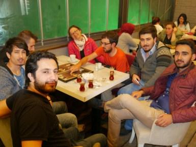 Die Jungs aus Boybat führen uns zum Tee aus.// Students from Boyabat taking us out for a tea.