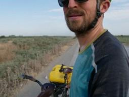 Wüstenritt, Daniels Shirt ist eine Salzmine.// Desert ride, Daniels shirt is a salt mine.