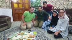 Hossein, his two brothers, his mum who taught me cooking, Antonia.// Hossein, seine beiden Brüder, seine Mutter, die mir kochenbeigebracht hat und Antonia.