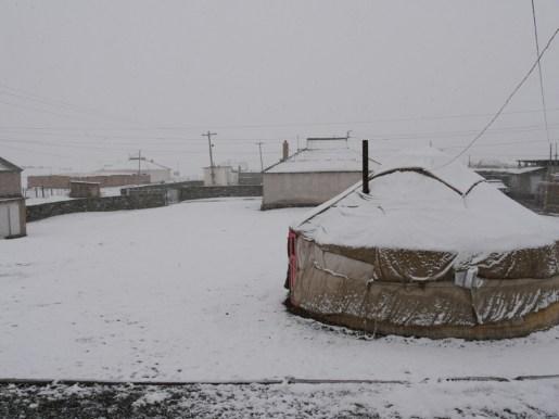 Wintereinruch in Sary Tash.// Winter arrives in Sry Tash.