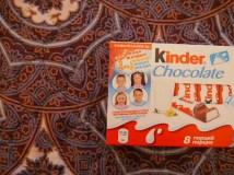 Politisch korrekte Kinderschokolade: zwei ethnische Kasachen und zwei ethnische Russen.// Politically correct kinder chocolate: two ethnic Kasakhs and two ethnics Russians.