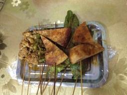 Grilled bread and vegetables with spicy spieces.// Gegrilltes Brot und Gemüse mit scharfen Gewürzen.