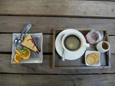 Another cozy coffeee place.// Noch ein excellenter Kaffeeort.