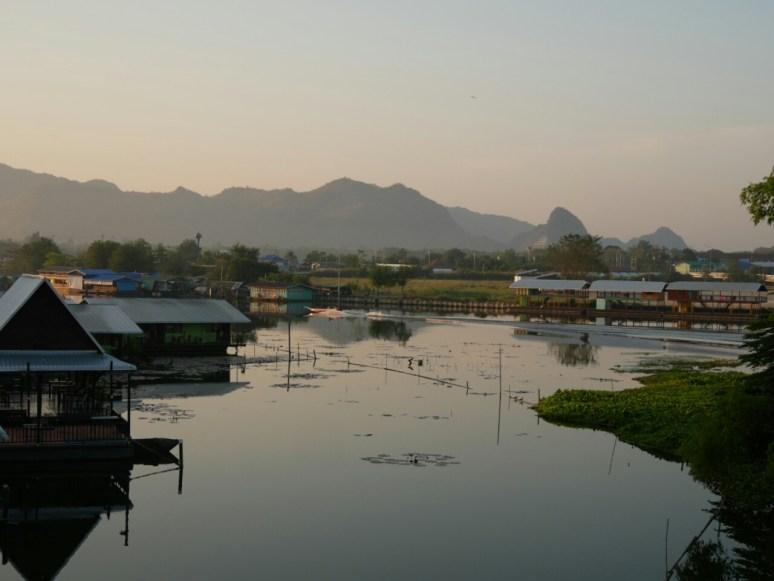 The river Kwai.// Der Fluss Kwai.