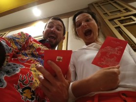 Chinese New Year - and we also got the traditional envelopes. What an experience! // Chinesisches Neujahr und wir haben auch die traditionellen Umschläge bekommen! Was für eine Erfahrung!