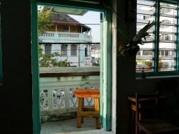 Stylish and passionate: the restaurant of our Warmshower Tan Chern Lee in Johor Batu Pahat, Malaysia. // Stylish und mit Leidenschaft geführt: das Restaurant unseres Warmshowers Tan Chern Lee in Johor Batu Pahat.