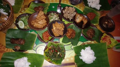 My absolute favourite restaurant in Yogya (after Nanamia): Special Sambal. Verz spicz food as the name tells.// Mein absolutes Lieblingsrestaurant in Yogya (nach Nanamia): Special Sambal. Extrem scharfes Essen, wie der Name schon sagt.