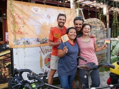 Here we are! Nanamia Pizzeria! Lovely to meet old friends and all the staff of Nanamia // Wir sind da! Nanamia Pizzeria! Herrlich alte Freunde zu treffen und die ganze Belegschaft des Nanamia!