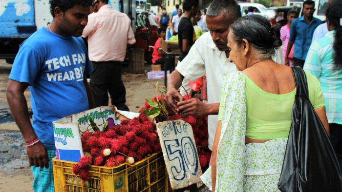 Lychees markt Kandy kleurrijk Sri Lanka