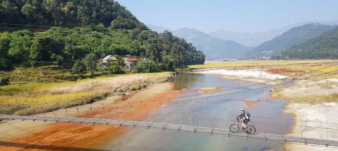 REISFILM | Wandelen en fietsen in Nepal