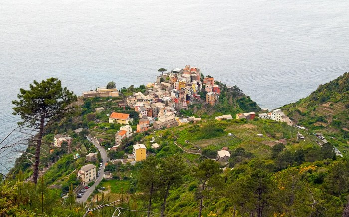 Corniglia from alternate trail high above main trail