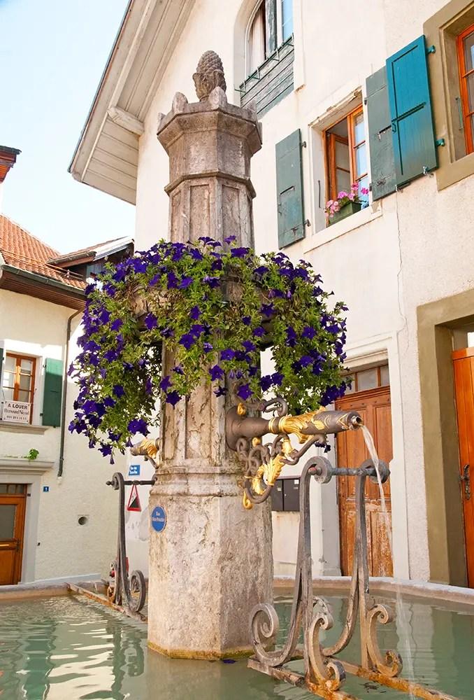 Fountain in town along Terrasses de Lavaux trail