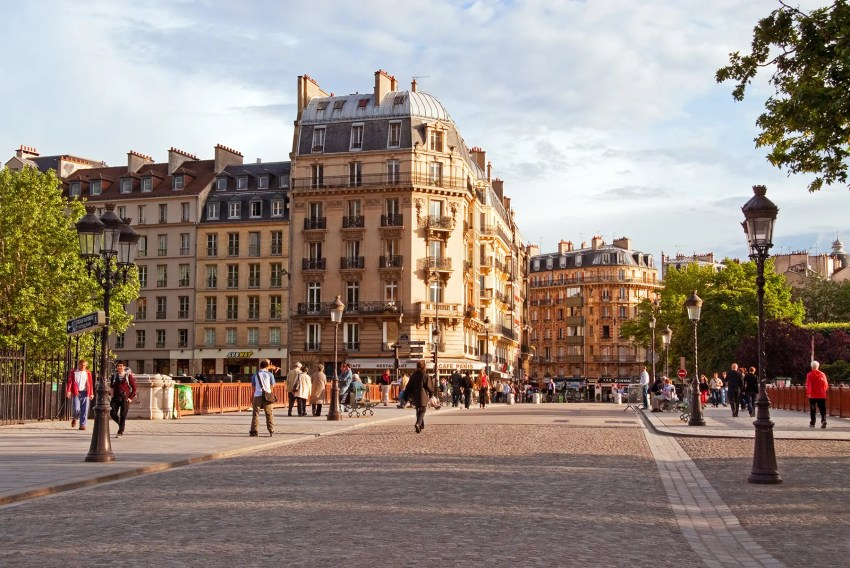 Street scene in Paris, France