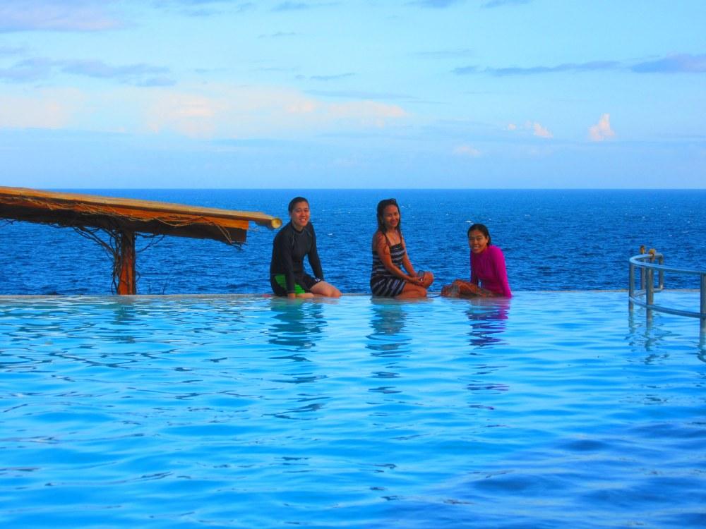 Antulang Beach Resort, Dumaguete (Infinity Pool) (4/6)