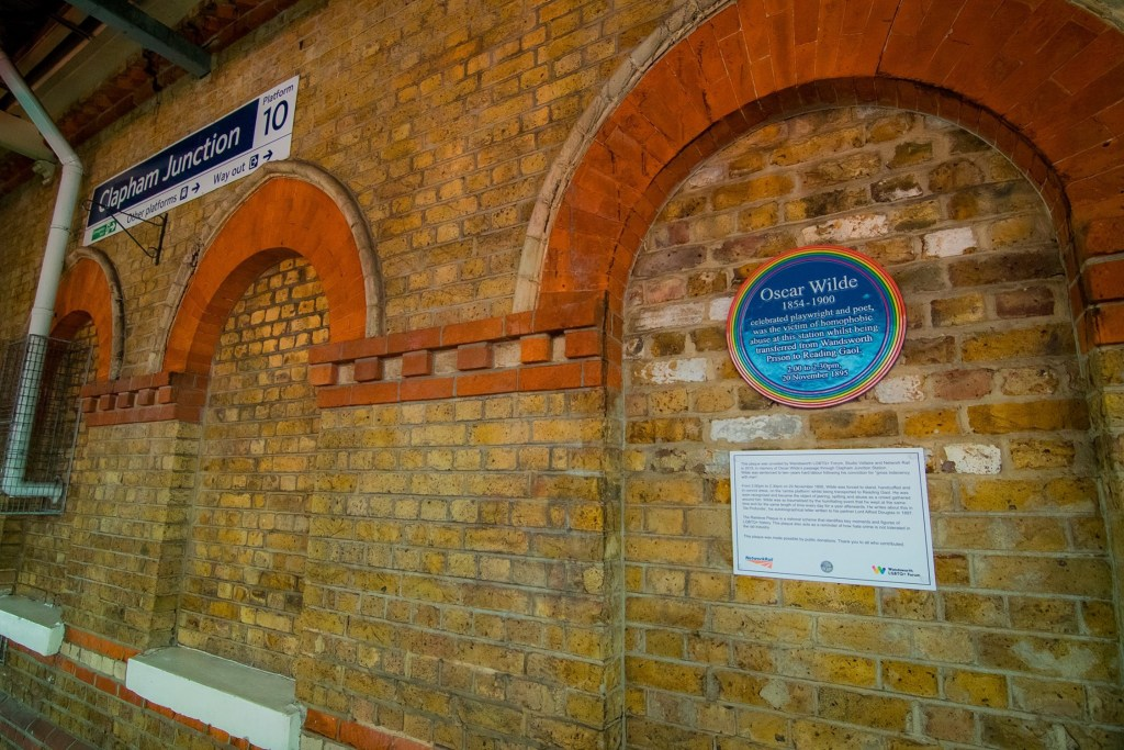 The Oscar Wilde plaque at Clapham Junction station