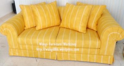 sofa kuning