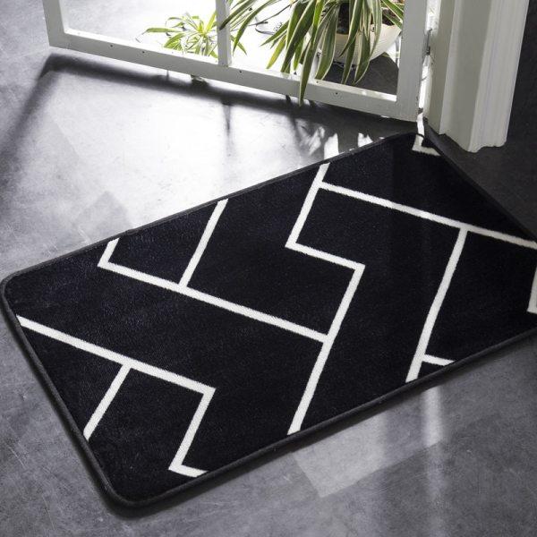 Honlaker Bath Mat Black and White Classic Geometric Pattern Super Soft Absorbent Bathroom Door Mat Non