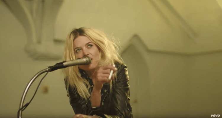 The Kills - Doing It To Death