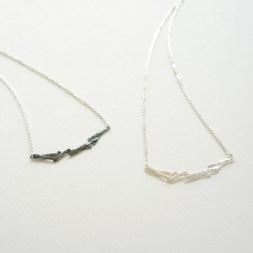 海苔 素材:Silver 刻み海苔をモチーフに作りました