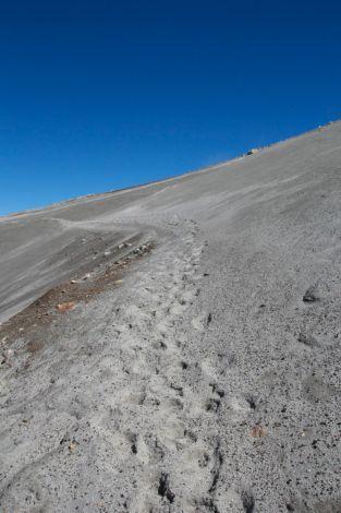 Sandy climb