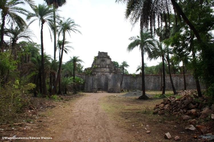 chapel inside Vasai fort