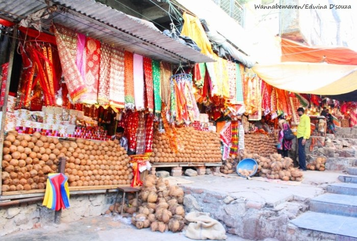 Shops along the climb to kalika mata temple - champaner-pavagadh archaeological park