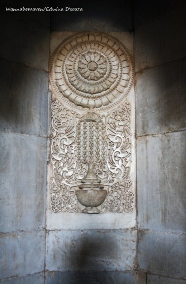 Mihrab depict hindu, muslim and jain architecture - champaner-pavagadh archaeological park