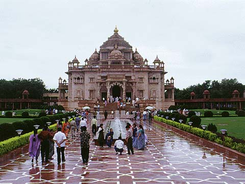 akshardham temple - things to do in ahmedabad