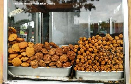short eats-Dal vade-Guide to Sri lankan food