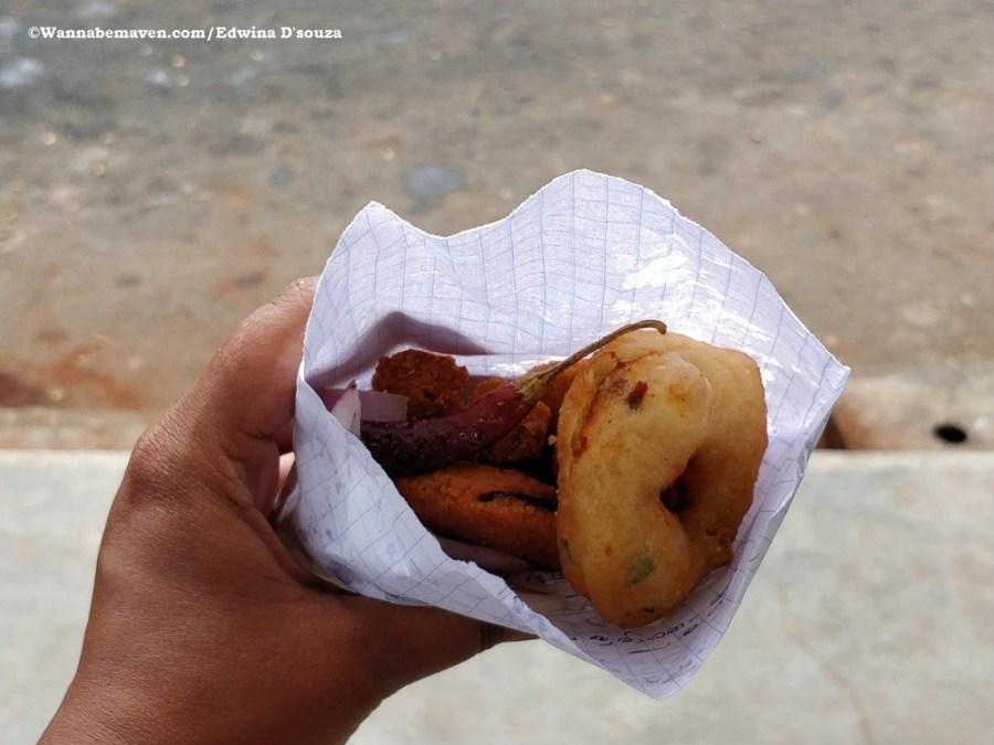 short eats-medu vade-Guide to Sri lankan food