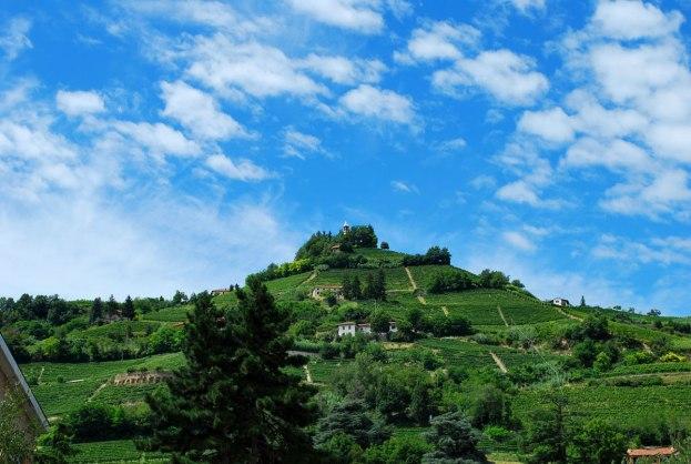 tussen de heuvels nabij Santo Stefano Belbo