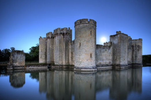 Bodiam_Castle,_East_Sussex_-_geograph.org.uk_-_1113944