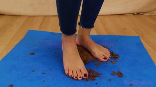 Megan Barefoot Cake Crush