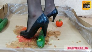 Crystal's High Heels Tomato & Cucumber Crushing Clip