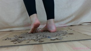 Rachel's Barefoot Wafers Crushing Video