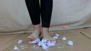 Rachel's Barefoot Marshmallow Crushing Video