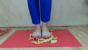 Carmen's Barefoot Hard Biscuit Crushing Video