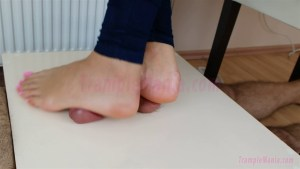 Crystal's Unforgettable Footjob with a Cockbox