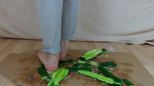 Zelda's Barefoot Cucumber Crush