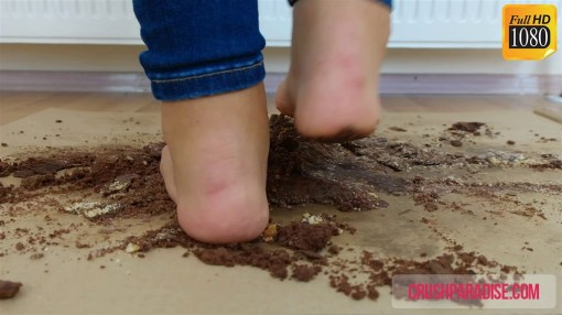 Rachel Crushes Double Cakes under Her Sexy Feet