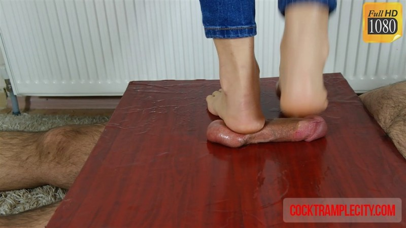 Crystal's CBT Trample with Cumshot
