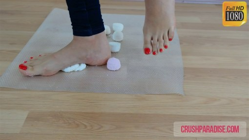 Crystal's Barefoot Sticky Marshmallow Crush