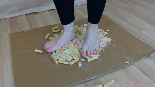 Emma Barefoot Hard Biscuit Trample