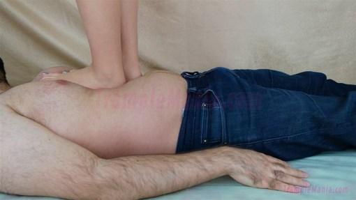 Rachel's First Time Barefoot Trampling